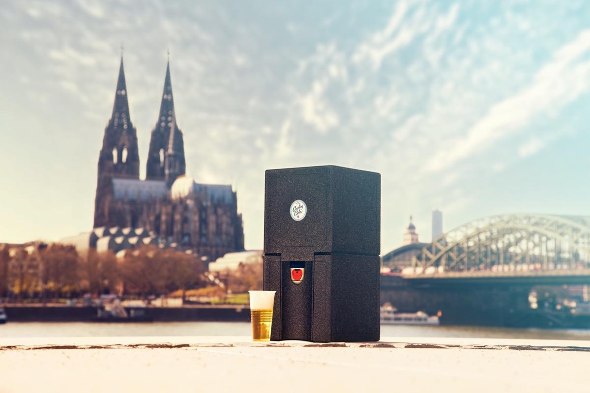 Cooling Cubes Markus Engelbertz und Ingo Runkel am Rheinboulevard Köln
